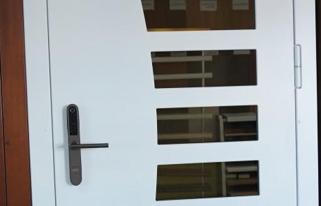 Lange, lauko durys, sarvuotos lauko durys1
